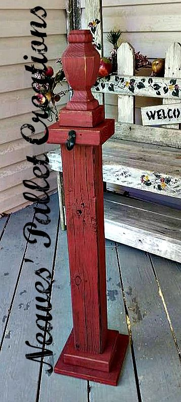 RECYCLED WOOD PALLETS: Wreath Holder was a custom order ...