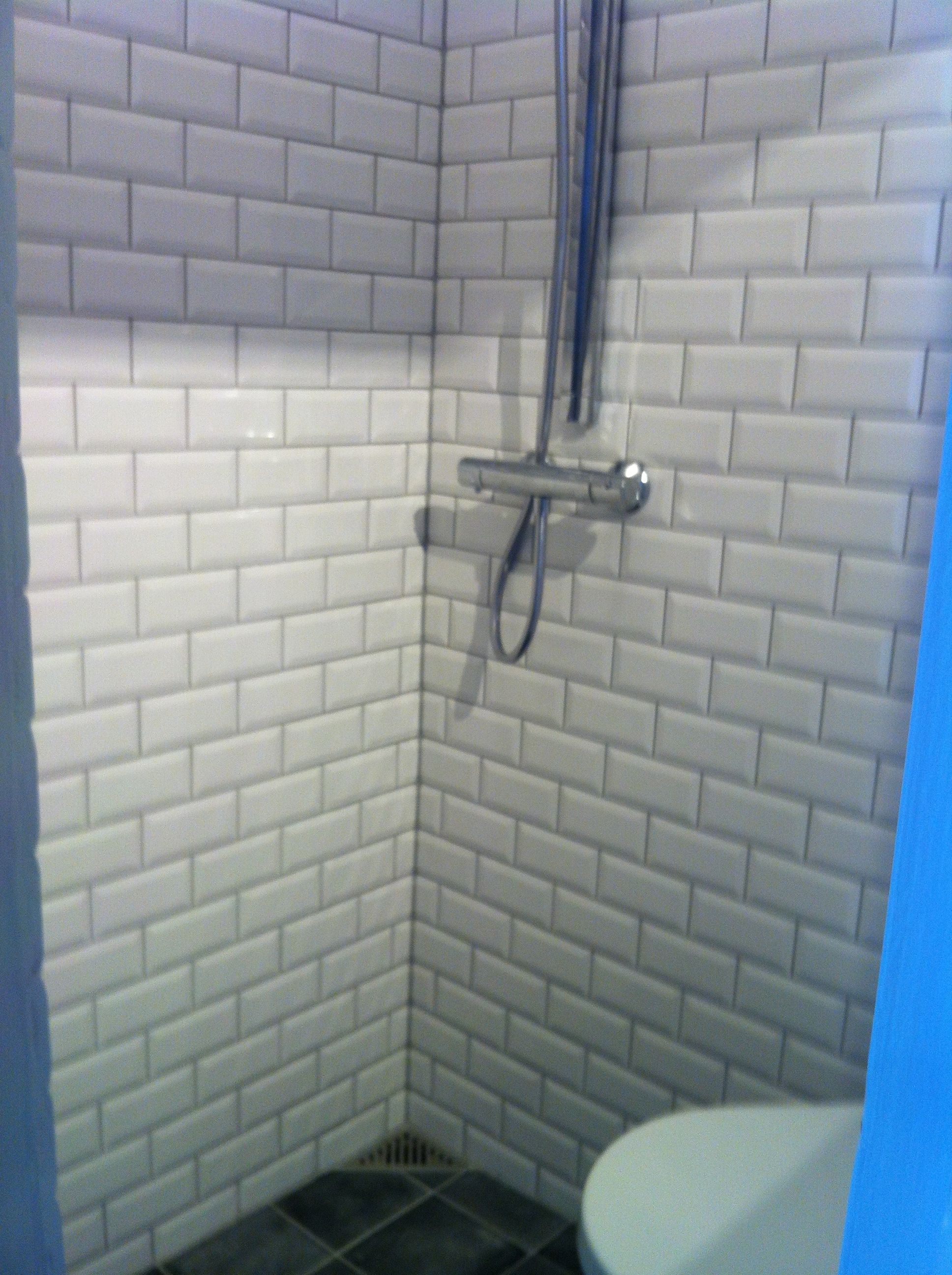 bad fliser Fede Metro fliser i Københavner bad | Fliser bad | Pinterest | Baños bad fliser