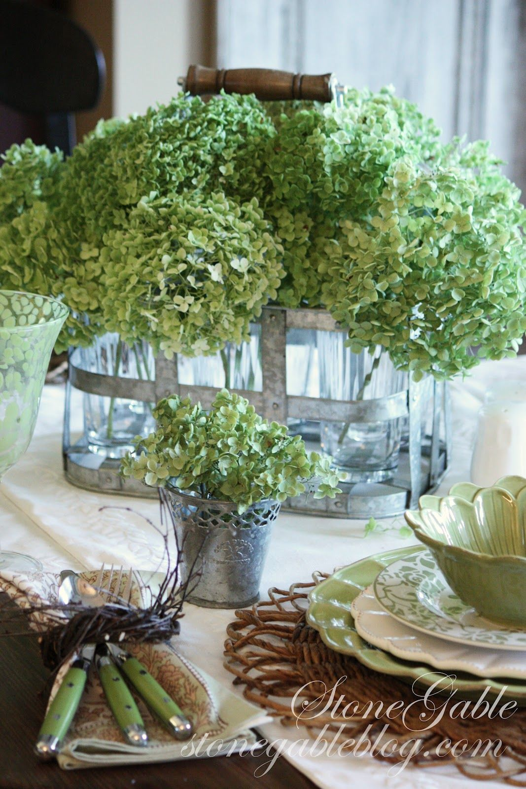 wedding ideas decorations green hydrangeas tablescape table scapes amp settings 9698