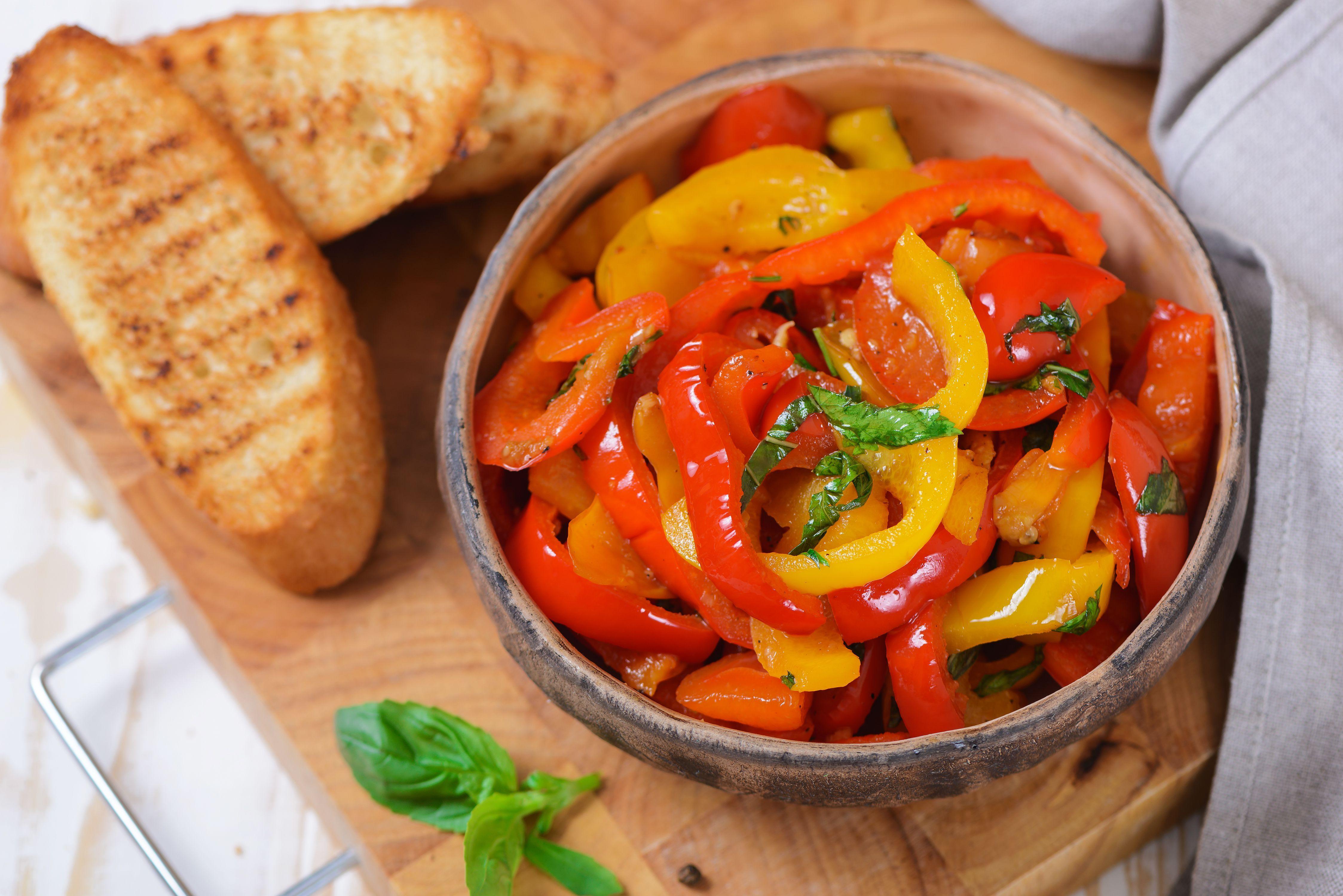 Garlic and Herb Sautéed Bell Pepper Strips #bellpeppers