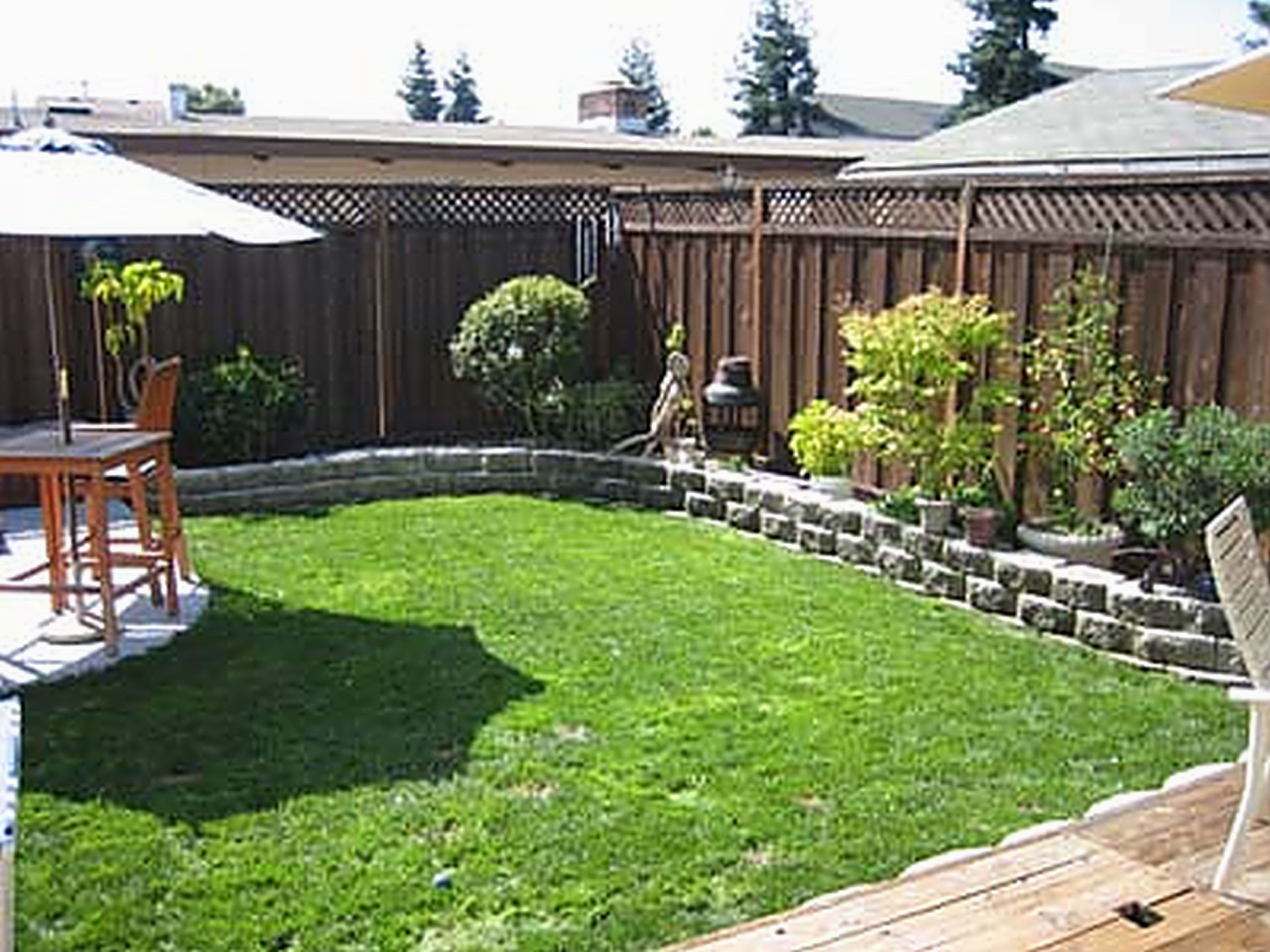 12 Easy Diy Landscape Plans You Might Try For Your Backyard Yard Landscaping Ideas O Small Backyard Gardens Small Backyard Landscaping Small Yard Landscaping