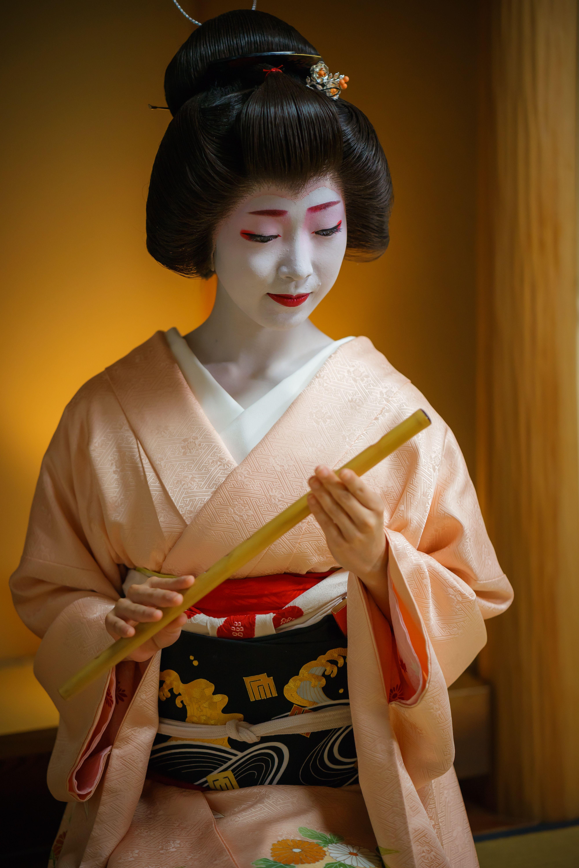 言の葉さん野外露出 geiko 芸妓 Toshikana とし夏菜 Miyagawacho 宮川町 KYOTO JAPAN