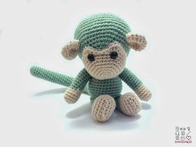 Nerdheart: Crochet Monkey and Experimenting with a Light Box               http://www.amigurumipatterns.net/redesignimages/zoomigurumi2_cover_lowres.jpg