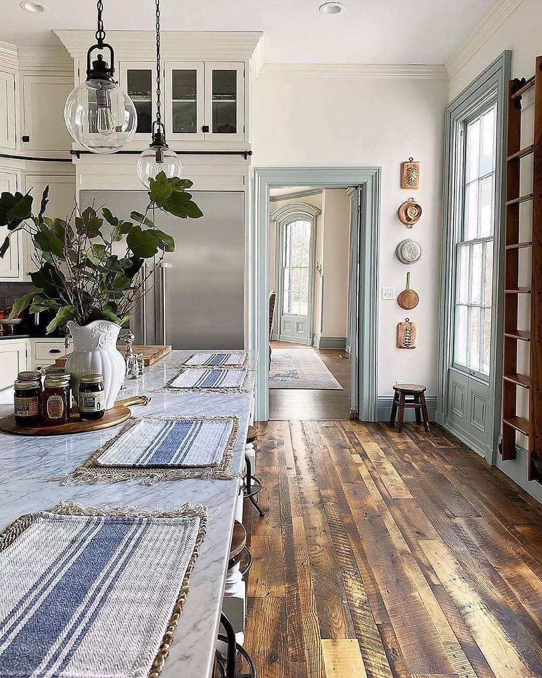 Farmhouse Fanatics Farmhousefanatics Posted On Instagram Isn T This Farmhousestyle Home Just Stunning Atashl In 2020 Neutral Decor Farmhouse Style Decor