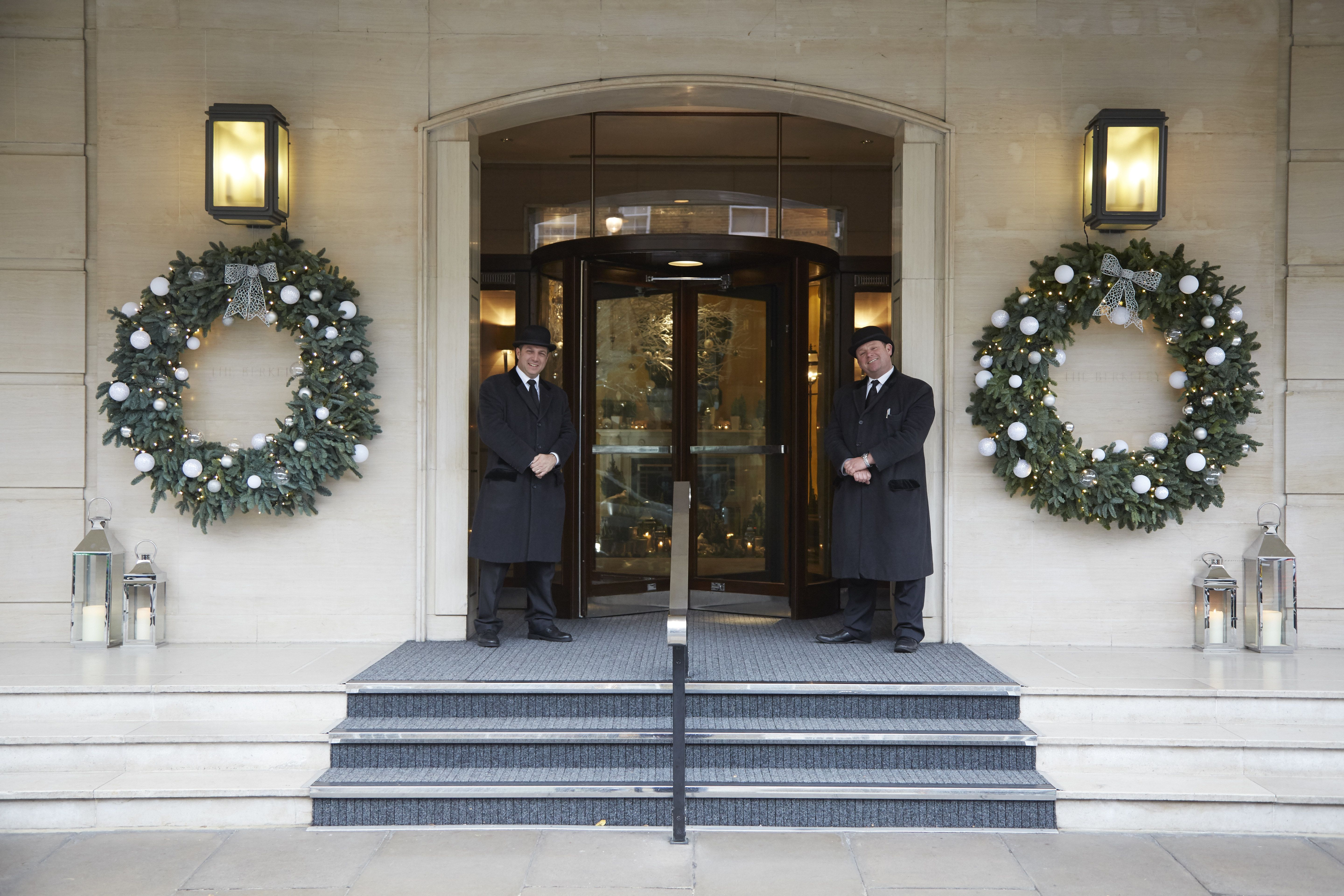 23 Gorgeous Hotels Decked Out for the Holidays   Luxury ...