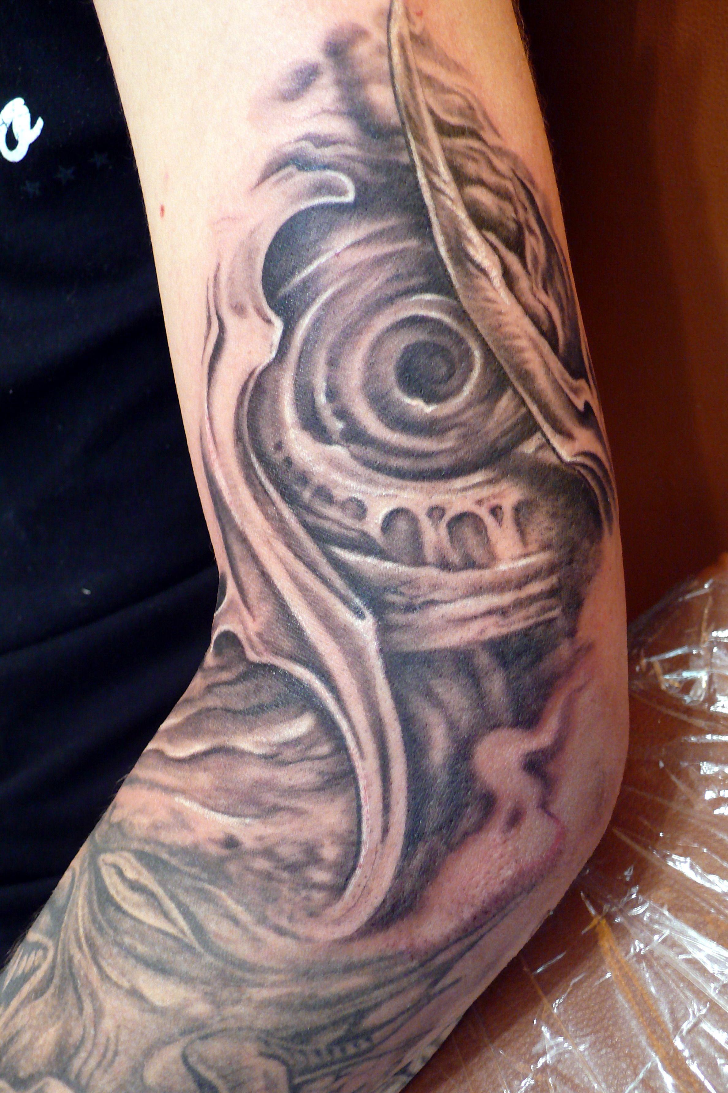 Hr giger tattoo designs - Grey Ink Biomechanical Alien Tattoo Design For Left Sleeve