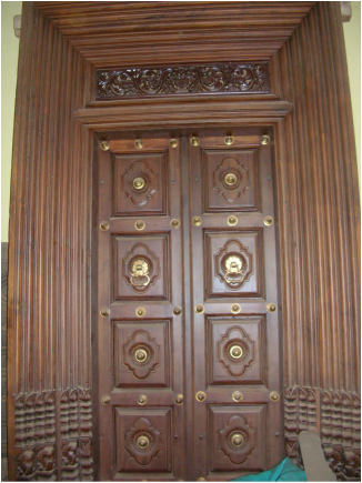 Chettinad homes google search dream homes pinterest for Traditional main door design