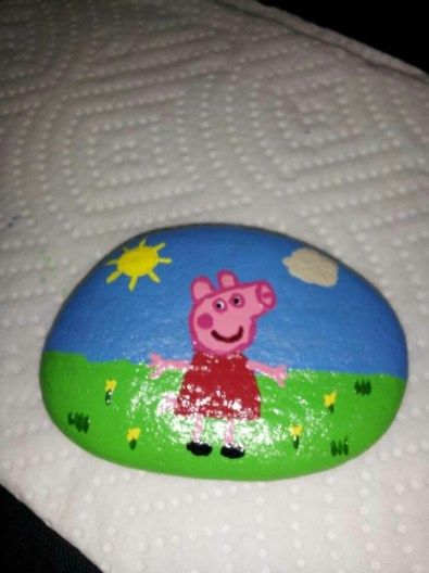 54 DIY Christmas Painted Rock Design is part of Painted rocks kids, Rock design, Painted rocks, Rock painting ideas easy, Pig painting, Rock art - Are you looking for an inexpensive and unique home decoration for Christmas  Do you need something that is easily to obtain and could potentially bring out your creative side  Or perhaps, you need a simple decoration with less time  DIY Christmas painted rock is the answer