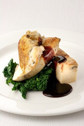 Chicken Supreme with Wild Mushroom & Potato Bake, Greens & Red Wine Sauce - Cambridge Dining Company www.cambridgedining.co.uk