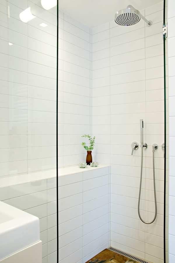 Studio Karin Stil Modern White Subway Tile Bathroom Bathroom