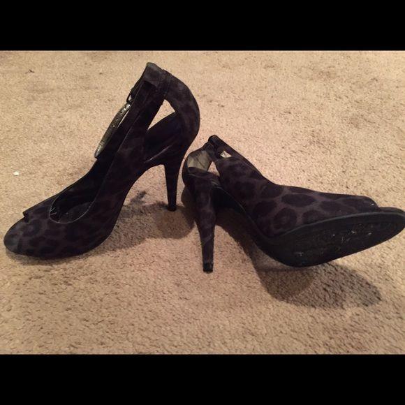 "Carlos Santana 4"" heels 9 1/2 gray&blk Black and gray, peep toe, 4"", heel Carlos Santana Shoes Heels"