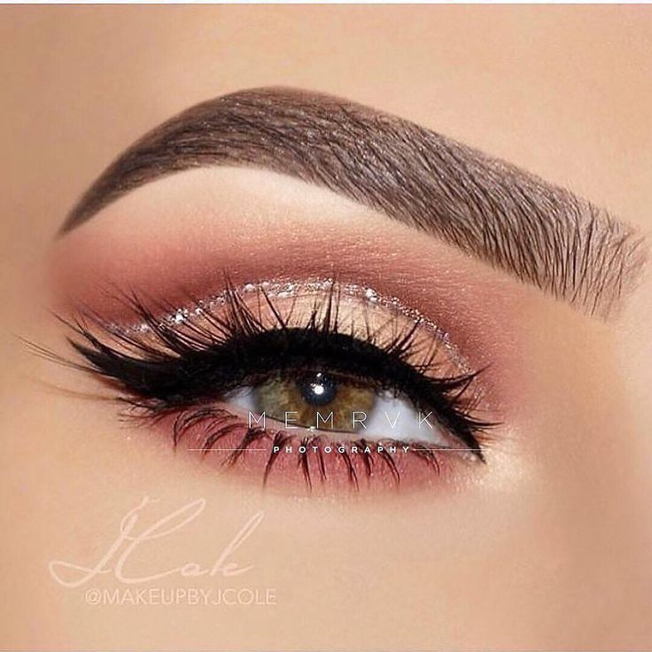 MakeUp Artist on Instagram Which one  Follow worldwideartist MakeUp Artist on Instagram Which one  Follow worldwideartist