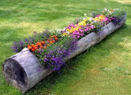 Resultado de imagem para entrada do jardim com jardineira