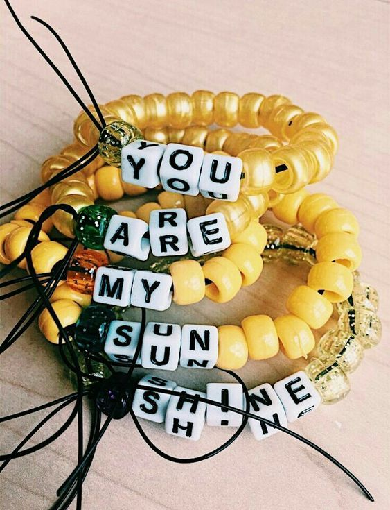 Summer camp fashion 70s inspired | beaded bracelets | Girlfriend is Better #summer