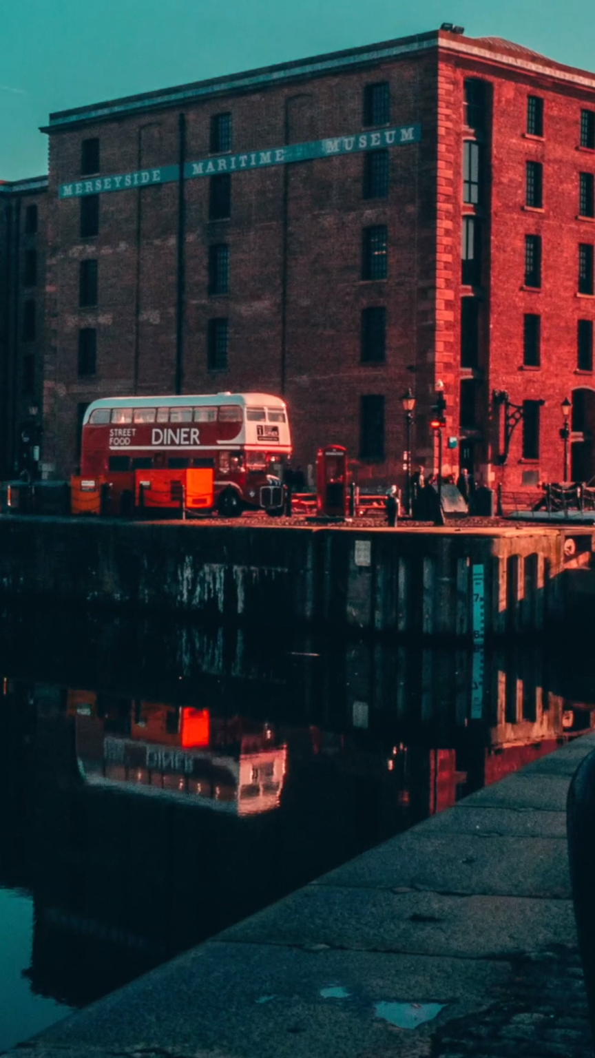 Liverpool, Albert Dock  Such a cool place! Timelapse shot on