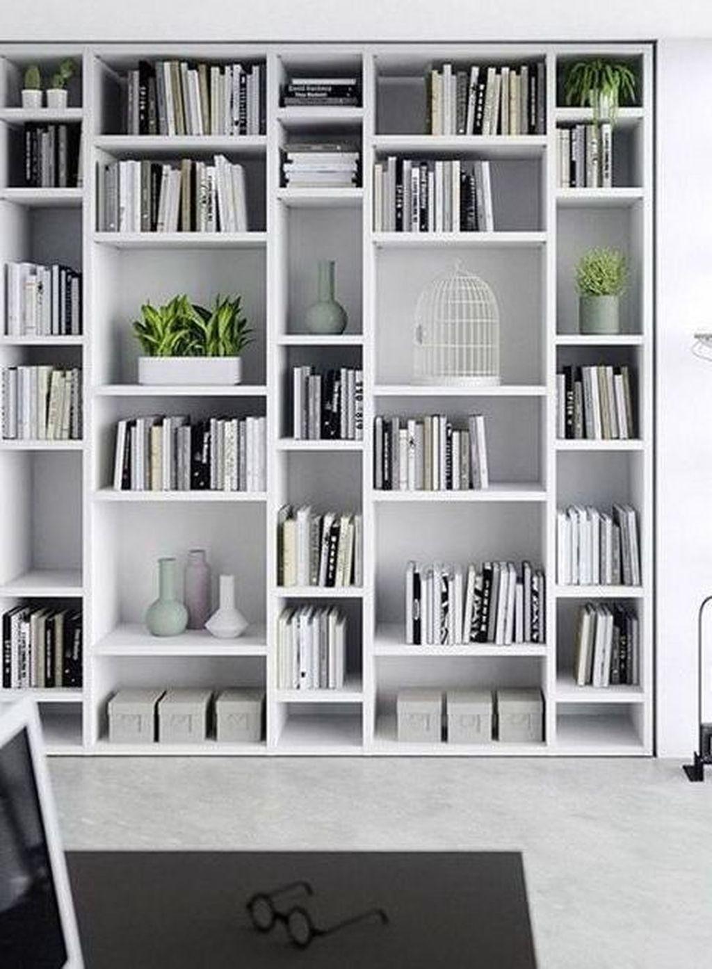 32 Stunning Bookshelf Design Ideas For A Minimalist Home That You Should Try In 2020 Bibliothek Zu Hause Wohnung Bucherregal Ideen