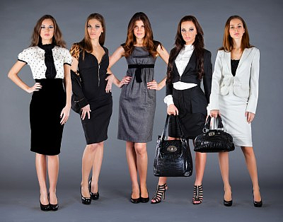 Dresscodes Ubersicht Der 10 Wichtigsten Kleiderregeln Business Kleidung Frau Business Kleidung Damen Kleider Damen