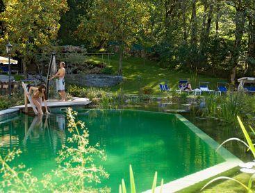 Schwimmteich für Fünf-sterne-Hotel in der Schweiz