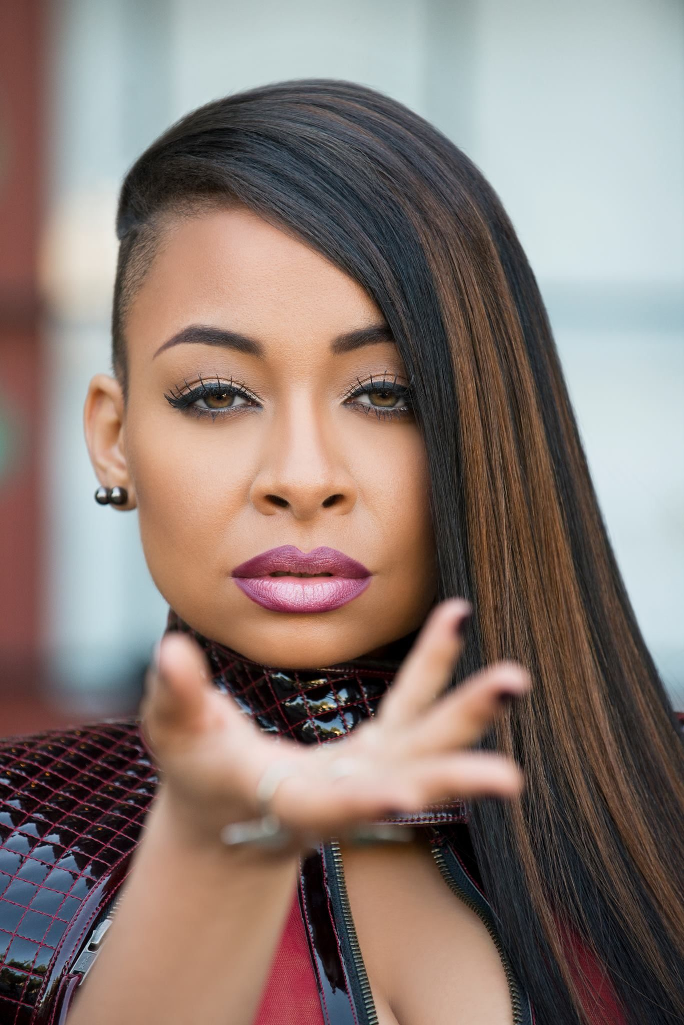 Raven Symone Hairstyles : raven, symone, hairstyles, Raven-Symone, Defends, Views, Gives, Advice, Create, Perfect, Diary, Shaved, Hairstyles,, Undercut, Hairstyles