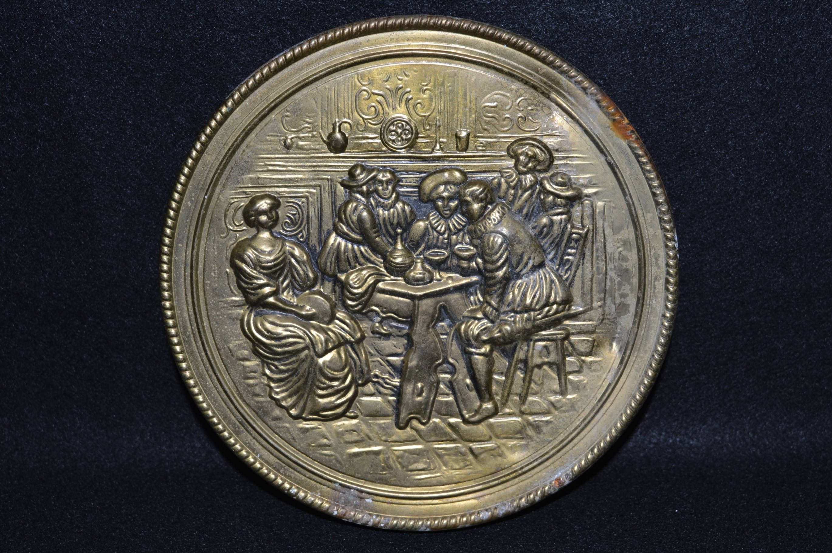 Vintage Brass Wall Pocket Round Wall Pocket Tavern Scene Made In England Embossed Brass Wall Plate Nice Engli Tavern Decor Vintage Brass Brass Wall Hanging