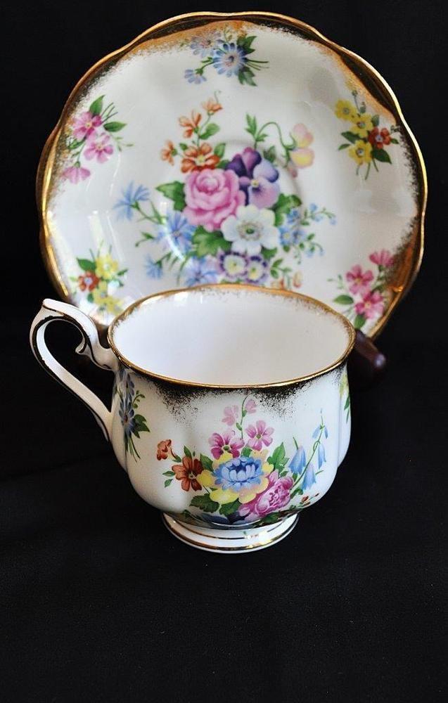Delightful royal albert summer flower bouquet bone china teacup saucer england royalalbert - Botero il bagno ...
