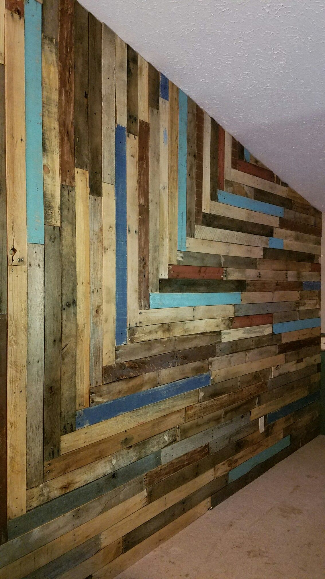 Our New Pallet Wall We Couldn T Decide Whether To Go Horizontal