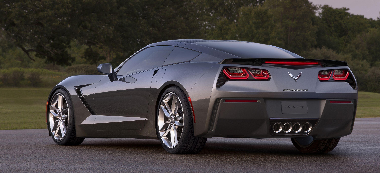 Video 2013 Viper Vs 2014 Corvette C7 Stingray Chevrolet