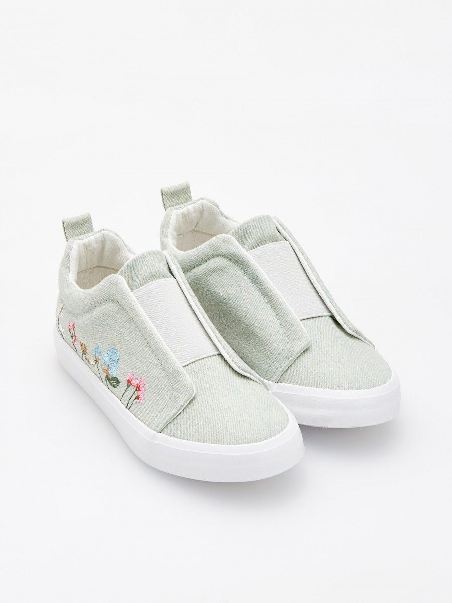 dd41accb772b7f GIRLS` SNEAKERS