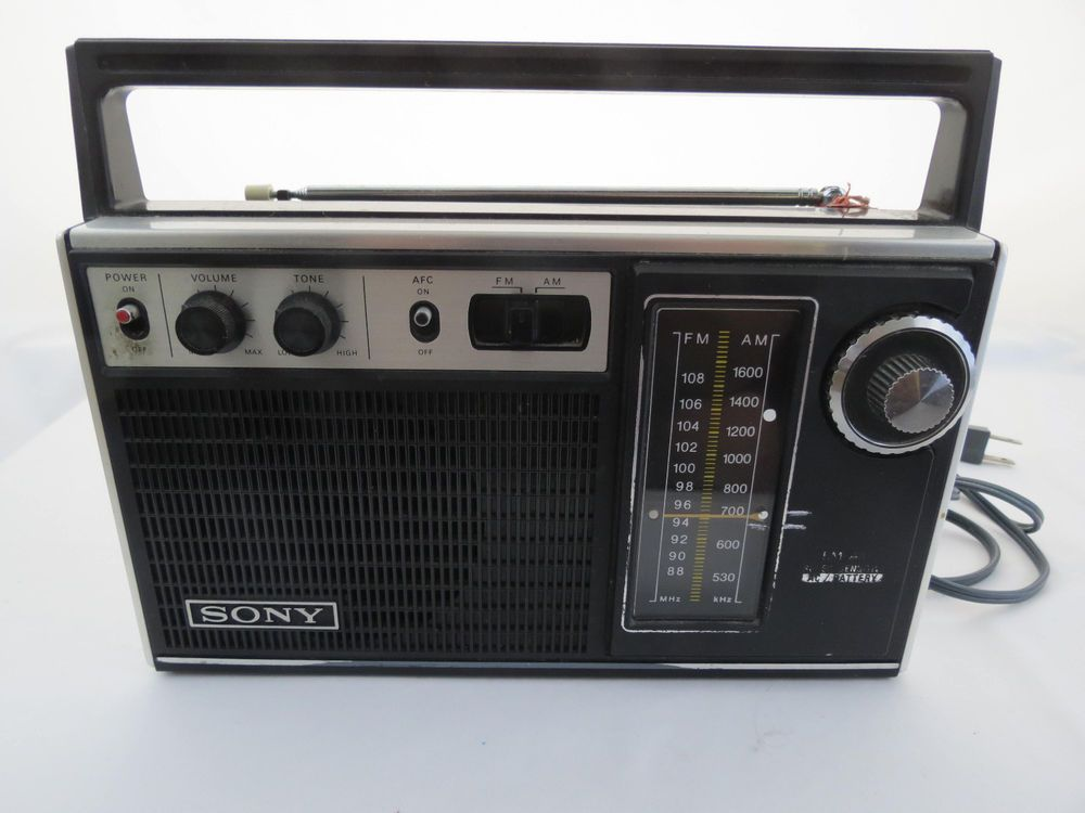 SONY 70s Super-Sensitive TFM-7250W Portable Radio tested works #Sony