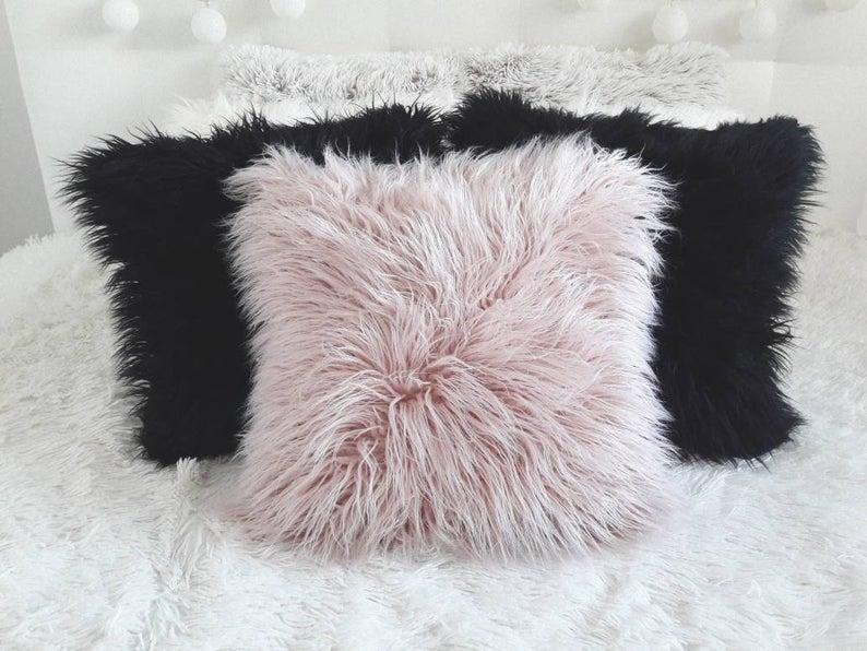Faux Fur Pillow Cover, Off White faux fur pillow cover, Mongolian fur Pillow,White pillow cushions,Fur pillow,Fluffy Pillow Case