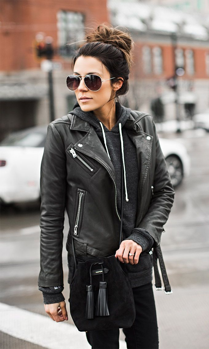 Chic all,black leather look for fall and winter
