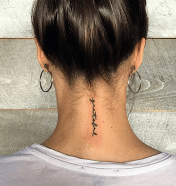 This Sweet Script Looks Elegant On The Back Of The Neck What A Pretty Neck Tattoo Via Kayb Tattoo Neck Tattoos Women Back Of Neck Tattoo Small Neck Tattoos