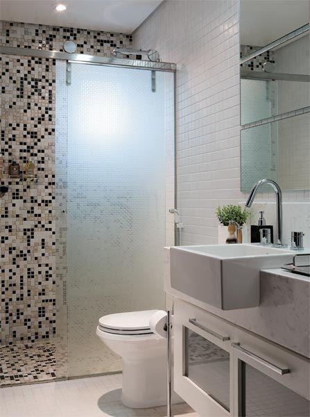 Box com porta de correr em vidro jateado | {Sweet Home} Banheiro ...