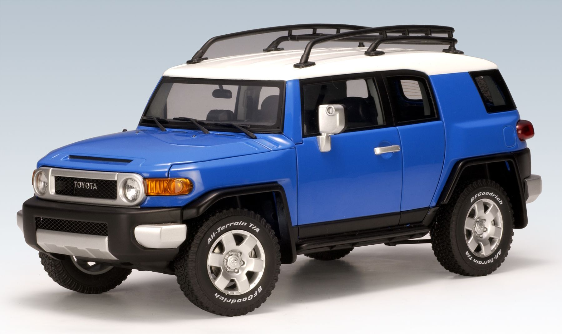AUTOart Toyota FJ Cruiser  Blue 78855 in 118 scale  142