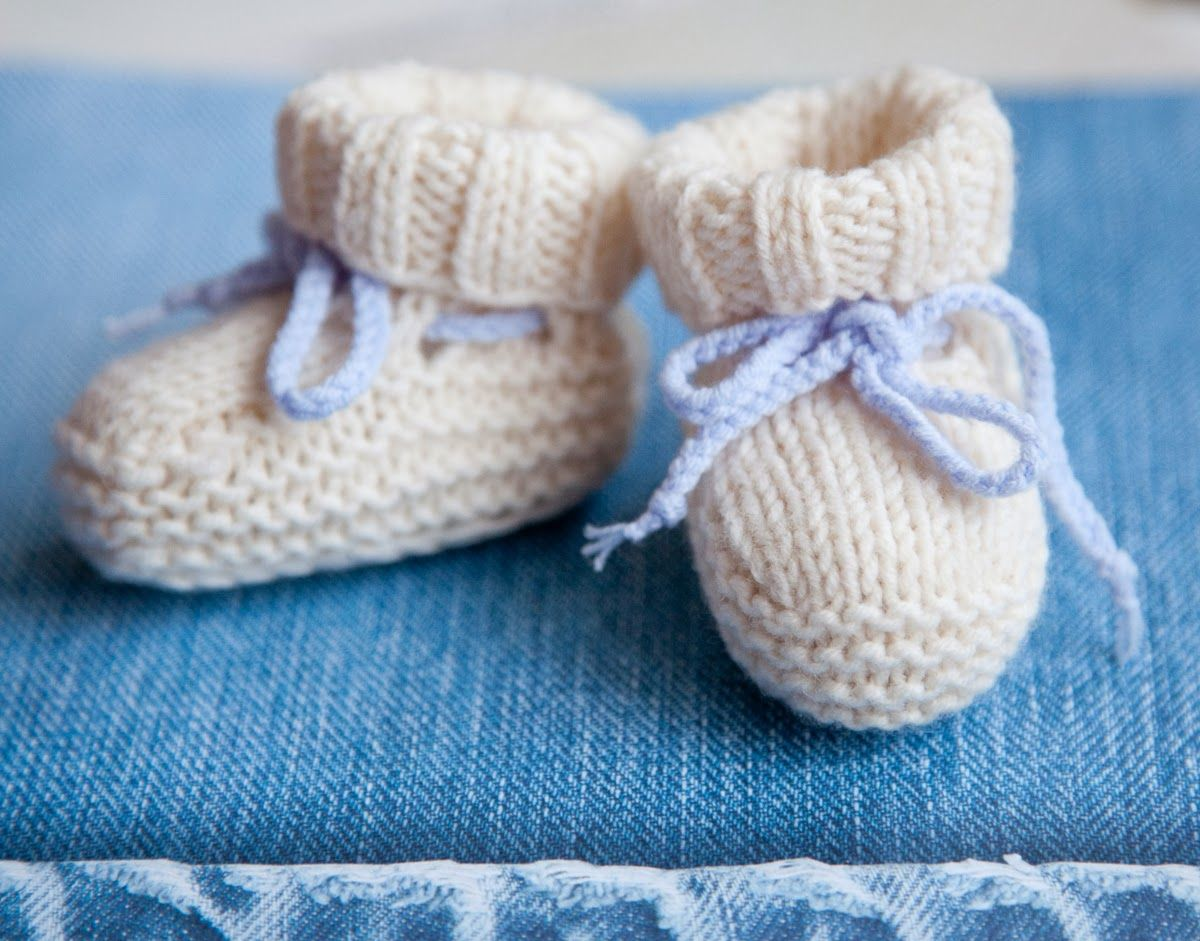 6c7295bde60 Knitted Striped Baby Booties Pattern | Knitting | Baby booties ...