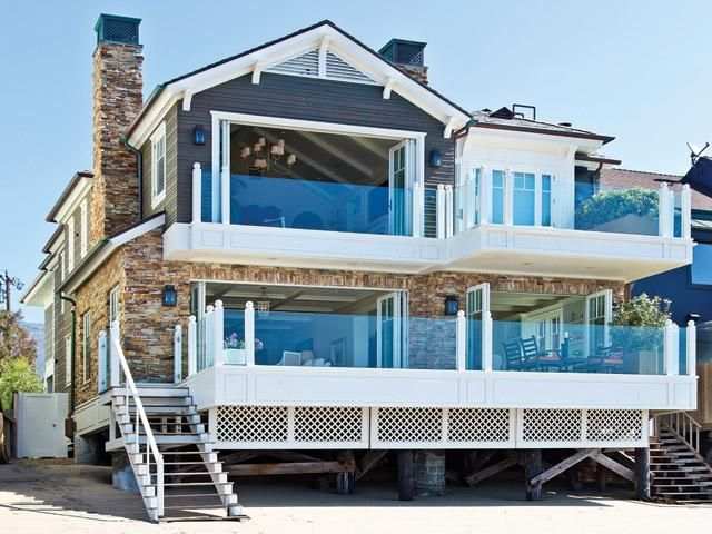 les 25 meilleures id es de la cat gorie malibu maison de plage sur pinterest maisons de plage. Black Bedroom Furniture Sets. Home Design Ideas