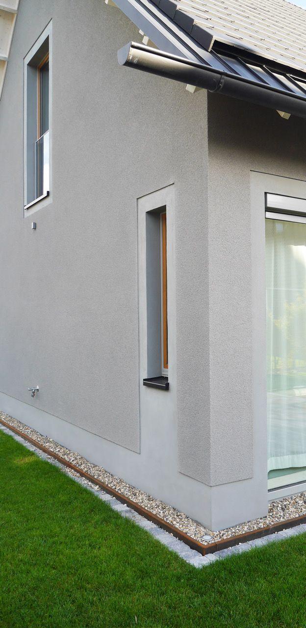 wohnhaus - dachrinne - zinkblech - rauputz - glattputz