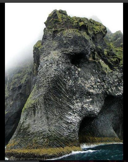 La roca del elefante, Heimaey, Islandia