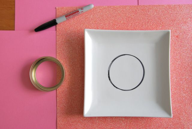 A DIY Sharpie Plate For Valentine's Day - THE SWEETEST DIGS