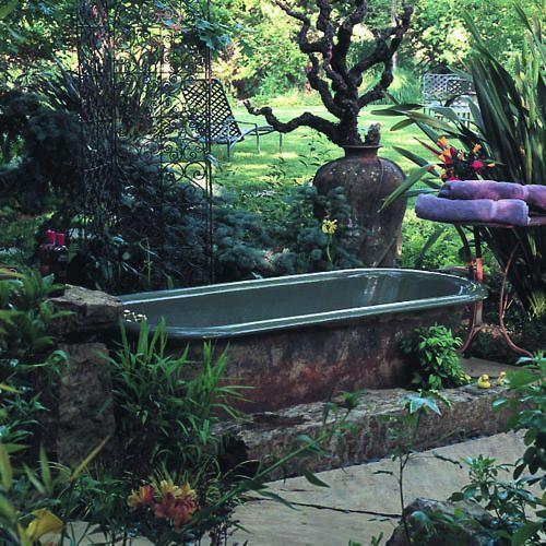 too lovely botanisches pinterest badewanne garten badewanne und baden. Black Bedroom Furniture Sets. Home Design Ideas