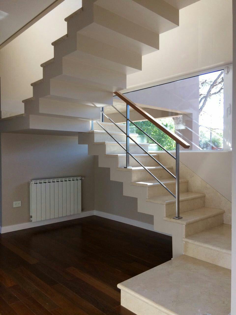 Escalera en marmol crema marfil escaleras pinterest - Escaleras interiores casas ...