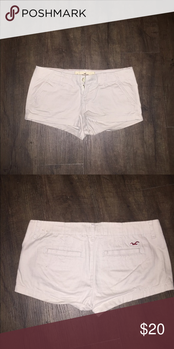Hollister Khaki style and coloring shorts Very versatile color! Khaki hollister shorts! Super cute and modest! Size 0, W24 Hollister Shorts