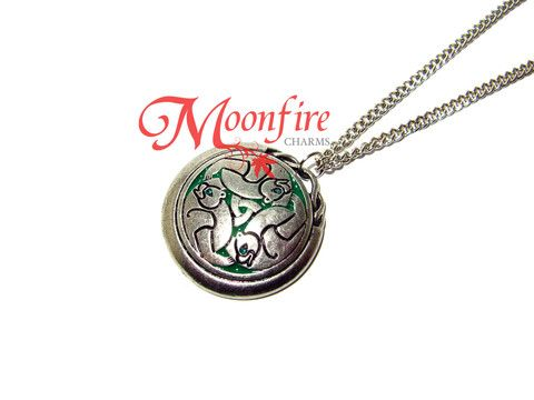BRAVE Merida and Queen Elinor Three Bears Necklace – Moonfire Charms