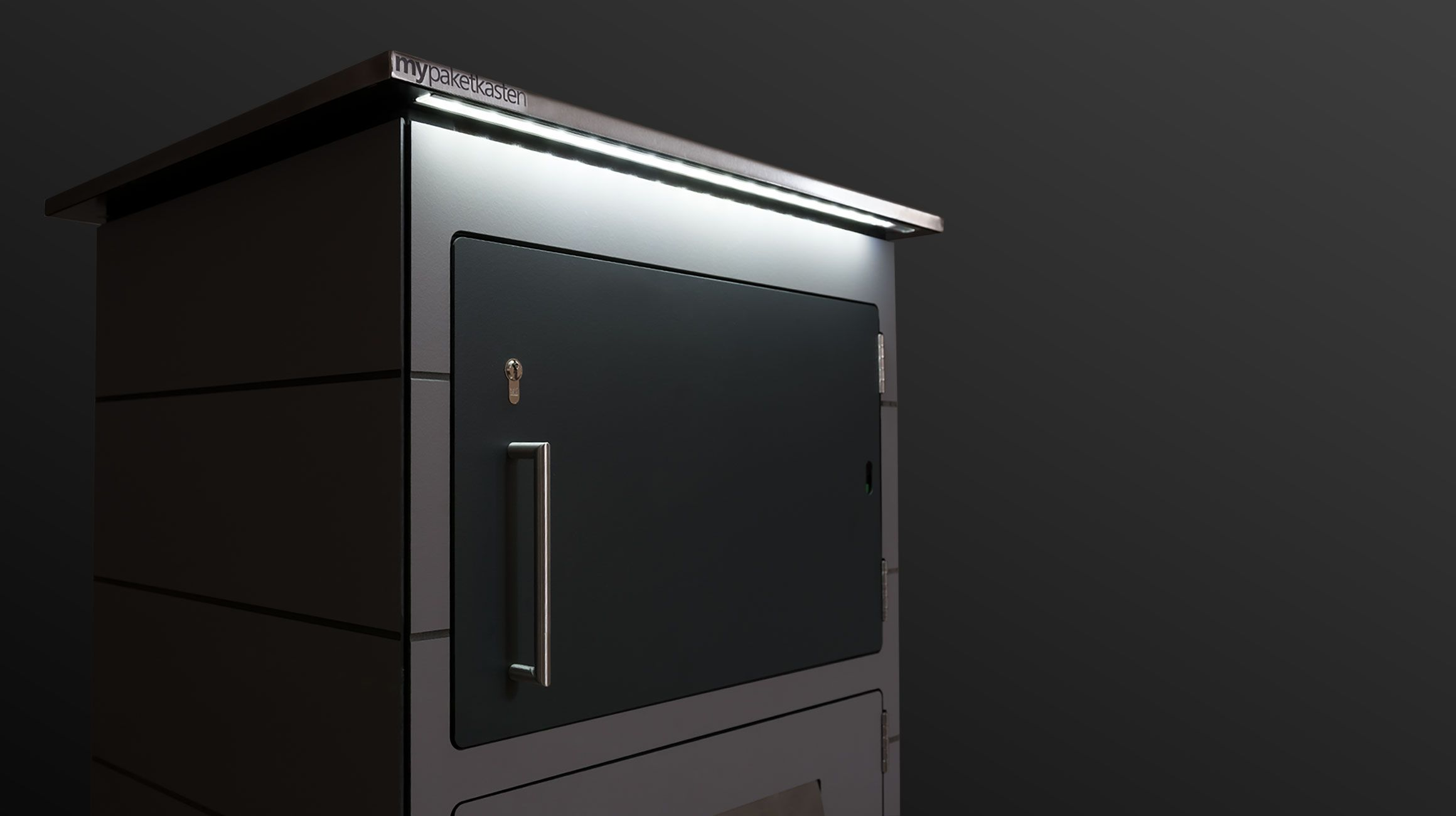 beleuchteter briefkasten f r pakete designideen mit hpl. Black Bedroom Furniture Sets. Home Design Ideas