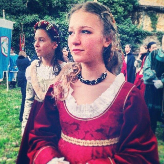 @iaiamcm_#LucreziaBorgia#Ferrara#CarnevaleRinascimentale #RioneSantoSpiritoFerrara #Ferrara#bellissima#corteo#storia#abiti#comunediferrara#solocosebelle