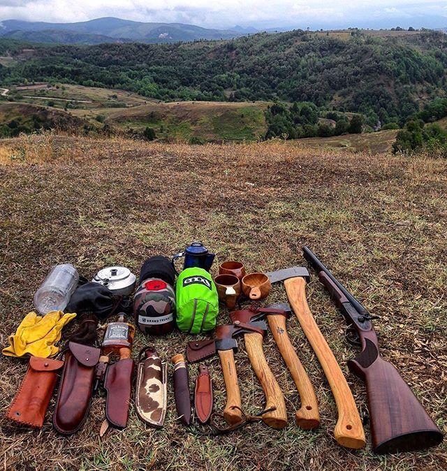 Bushcraft Survival Skills: Pin By Gib Rigg On Bushkits