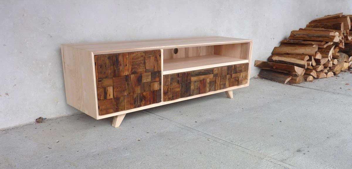 meuble tv en vieux bois au design vintage - Meuble Design Vintage