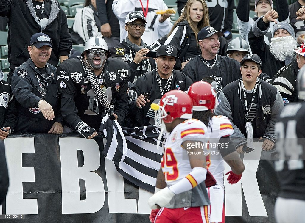7b07be9b Oakland Raiders fans in the Black Hole call out to Kansas City ...