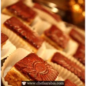 حلى الجوزاء Mini Cakes Recipes Desserts