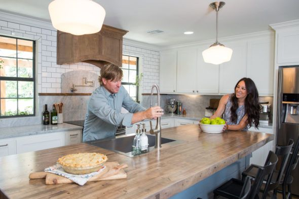Fixer Upper Chip And Joanna Gaines Return For A Fourth Season Fixer Upper Stools For Kitchen Island Chip Joanna Gaines
